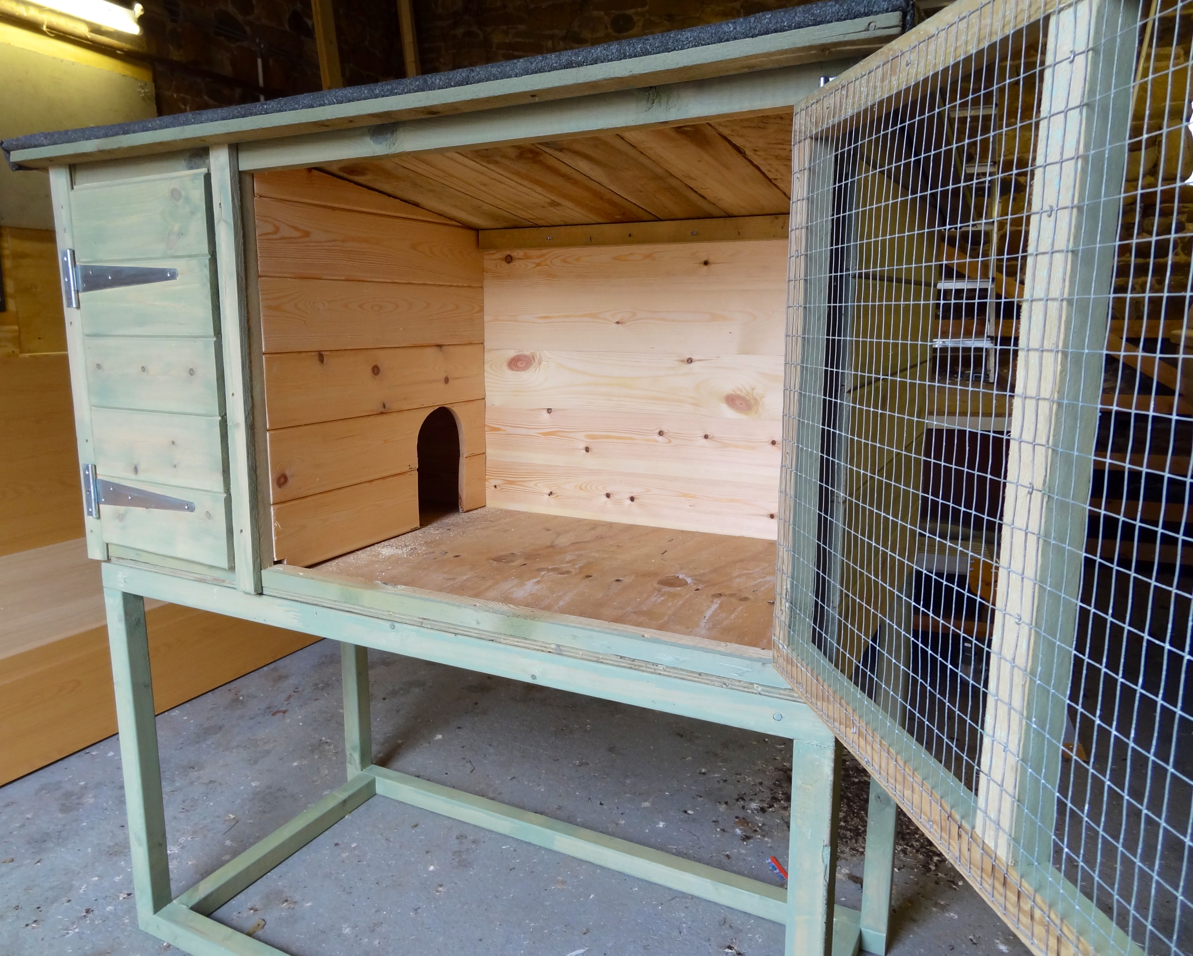 Rabbit hutches runs made and supplied by blurbirch of for Free guinea pig hutch